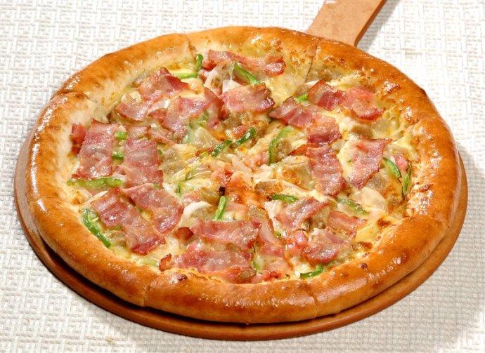 培根比萨图片_奶油培根比萨摄影图__西餐美食_餐饮美食_摄
